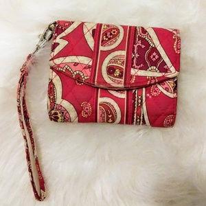 Vera Bradly Rosy Posies Wristlet Cellphone Wallet